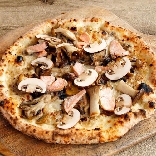 沖繩香菇和風九層塔披薩   県産キノコのバジルピザ